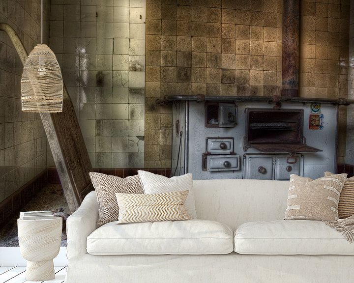 Sfeerimpressie behang: old kitchen van Richard Driessen
