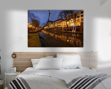Oudegracht in Utrecht tussen Geertebrug en Smeebrug van Donker Utrecht