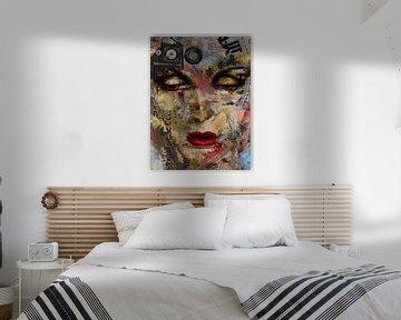 Le visage peint numériquement sur Gabi Hampe
