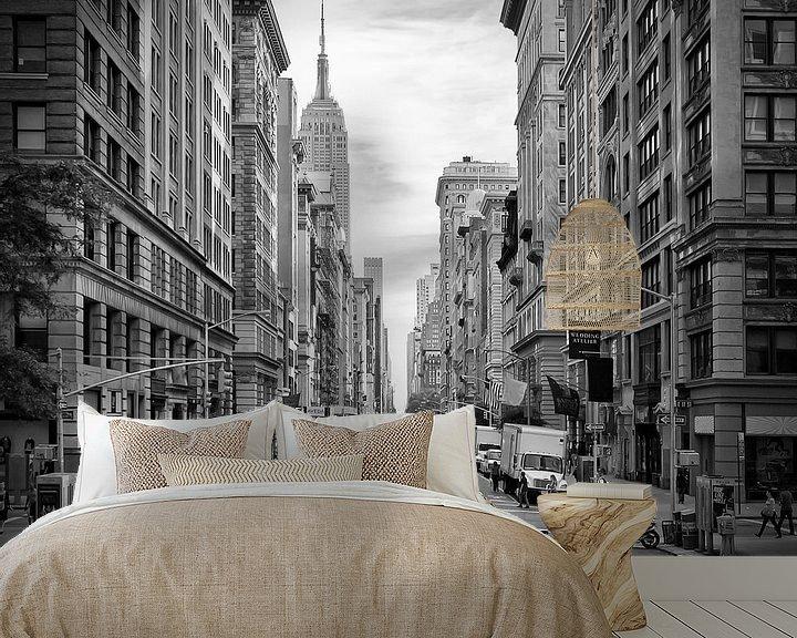 Sfeerimpressie behang: 5th Avenue NYC Verkeer II van Melanie Viola