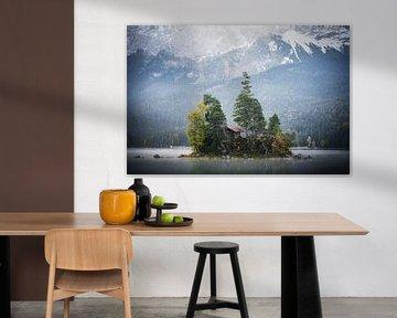 Foto Eibsee in der Gemeinde Grainau mit Wettersteingebirge, Wald und der Zugspitze bei Sonnenunterga