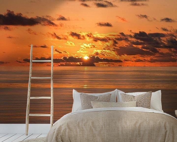 Sfeerimpressie behang: Indian Ocean Sunset van Alex Hiemstra