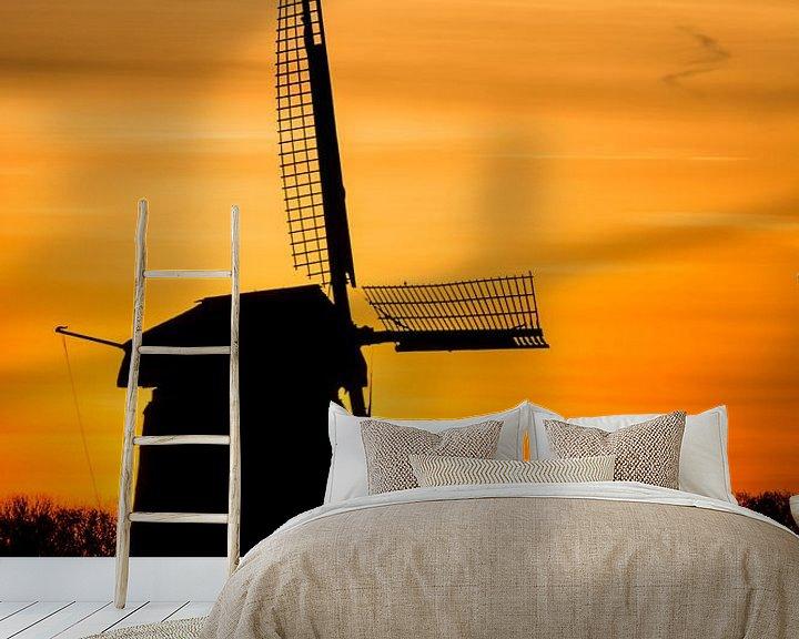 Sfeerimpressie behang: zonsopkomst met oude molen 02 van Arjen Schippers