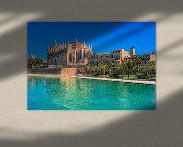Palma de Mallorca met Kathedraal La Seu en Parc de la Mar van Alex Winter