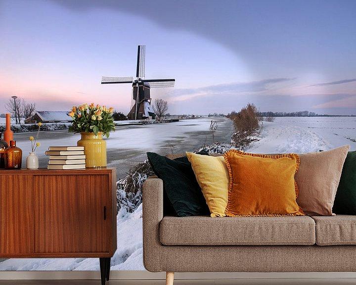 Sfeerimpressie behang: Poldermolen in de winter van Mark Leeman