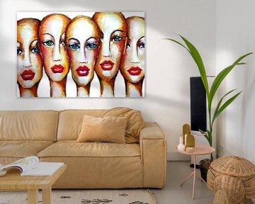 Vrouwen zonder Haar met Rode Lippen von e-STER design