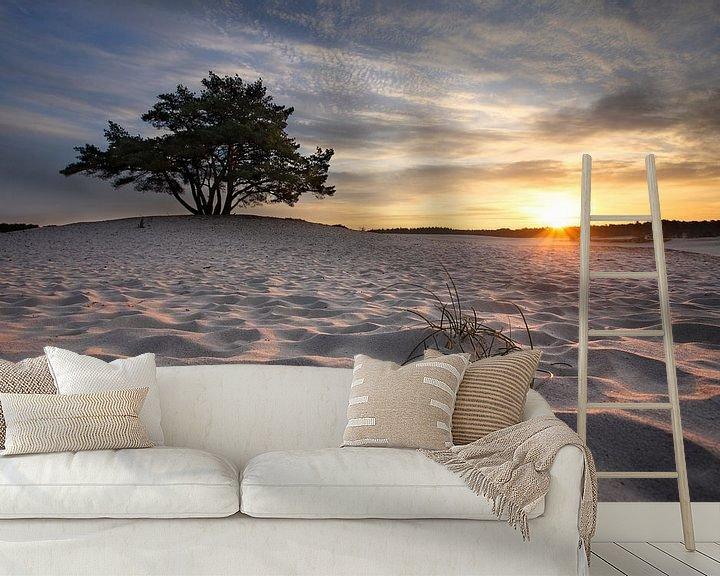 Sfeerimpressie behang: Boom en zandduinen II van Mark Leeman