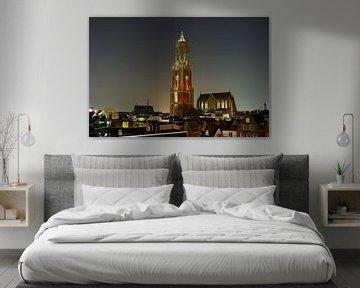 Stadsgezicht van Utrecht met Domkerk en roodwitte Domtoren van Donker Utrecht