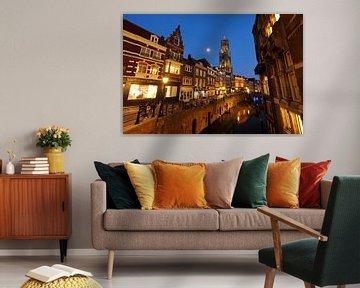 Fischmarkt in Utrecht mit dem Dom Tower im Hintergrund (3) von Donker Utrecht