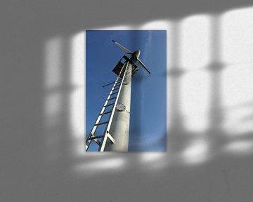 Windmolen en blauwe lucht van Wim Stolwerk