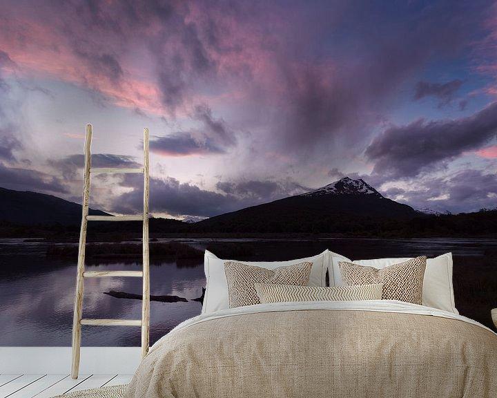 Sfeerimpressie behang: Zonsondergang in Tierra del Fuego van Ellen van Drunen
