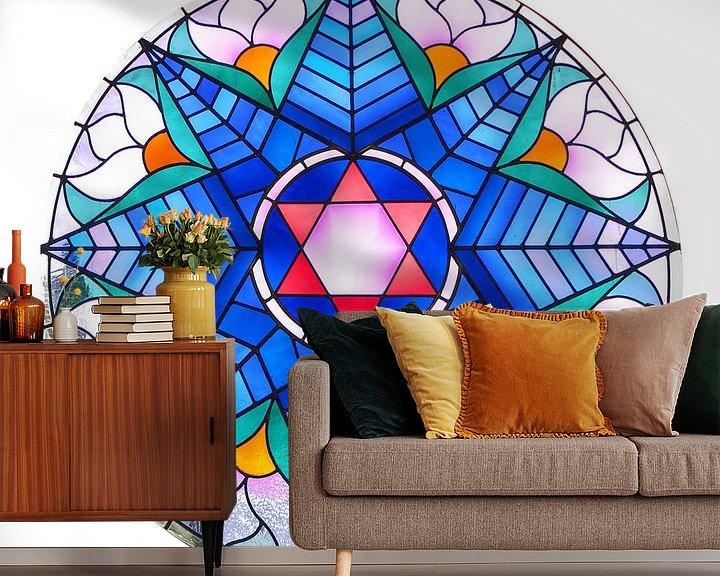 Sfeerimpressie behang: Glas-in-lood raam Alkmaarse synagoge van Mike Bing