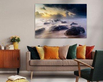 Rocks in the sea von Richard Guijt Photography