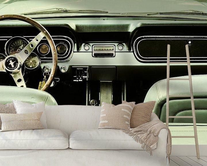 Sfeerimpressie behang: De vintage Ford Mustang van Martin Bergsma
