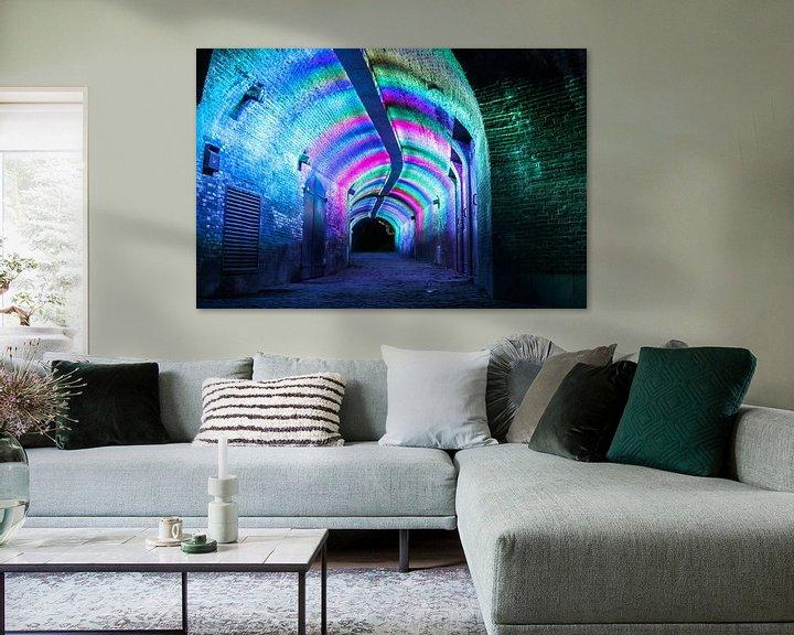 Sfeerimpressie: verlichte tunnel ganzenmarkt Utrecht van Ilya Korzelius