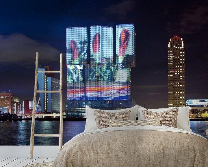 Sfeerimpressie behang: Lichtshow geprojecteerd op De Rotterdam van Anton de Zeeuw