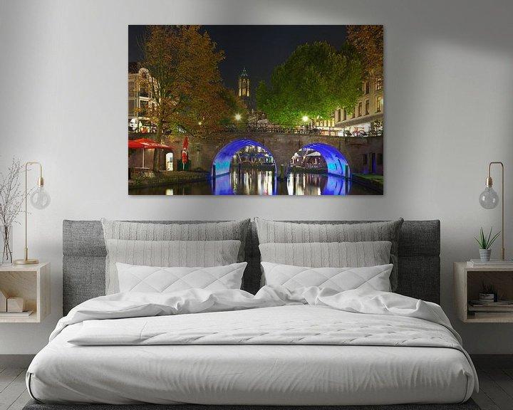 Sfeerimpressie: Gracht te Utrecht met top van de Dom  (  Oudegracht ) van Anton de Zeeuw