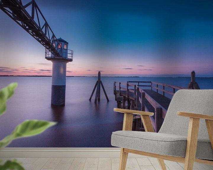 Sfeerimpressie behang: Lichtbaken in Friesland van Tom Roeleveld