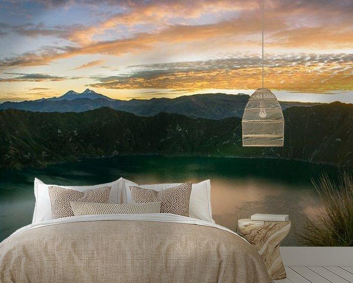 Sfeerimpressie behang: Sunrise Lake Quilotoa van Niels  Claassen