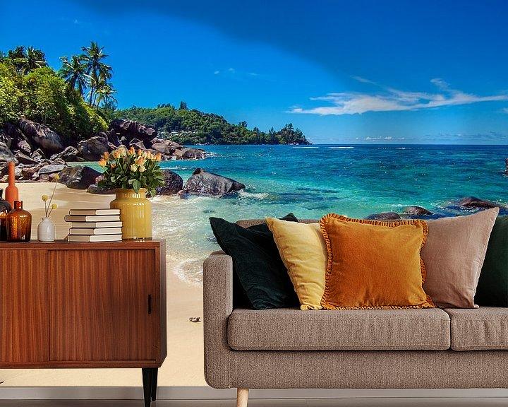Sfeerimpressie behang: Droomstrand Baie Lazare  - Mahé - Seychellen van Max Steinwald