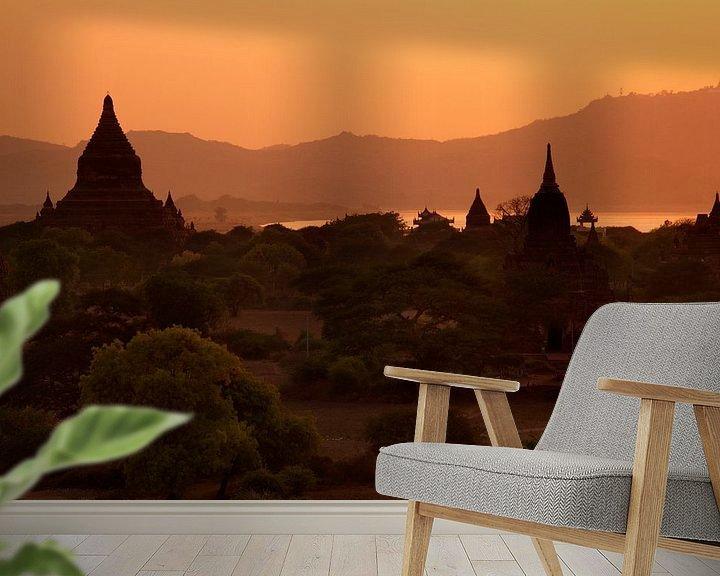 Sfeerimpressie behang: Bagan-Myanmar van Carolien van den Brink
