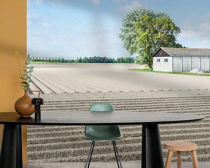 Sfeerimpressie behang: Aardappelveld in het voorjaar van Ruud Morijn