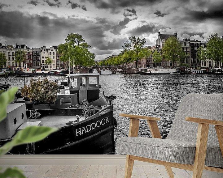 Sfeerimpressie behang: Amstel Amsterdam van Melanie Viola