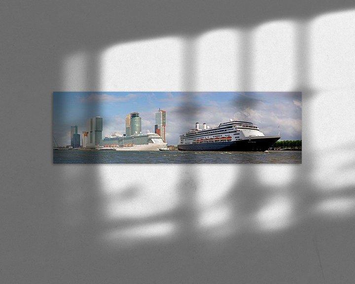 Sfeerimpressie: panorama 2 cruiseschepen te Rotterdam van Anton de Zeeuw