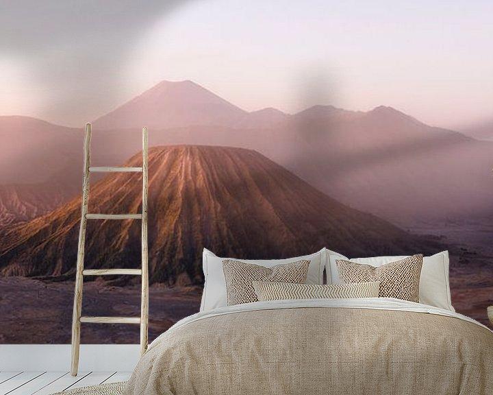 Sfeerimpressie behang: Bromo Sunrise van Giovanni della Primavera